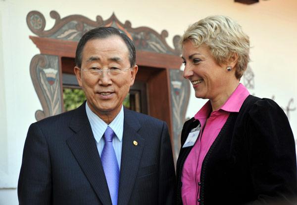 vita-Ban-Ki-Moon-Alpbach-2010